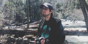 Brad Dell süket 24 éves CF-es férfi